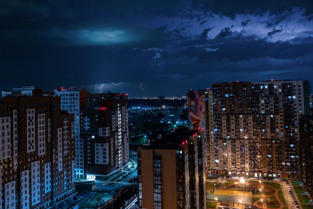 thunderstorm over Vnukovo